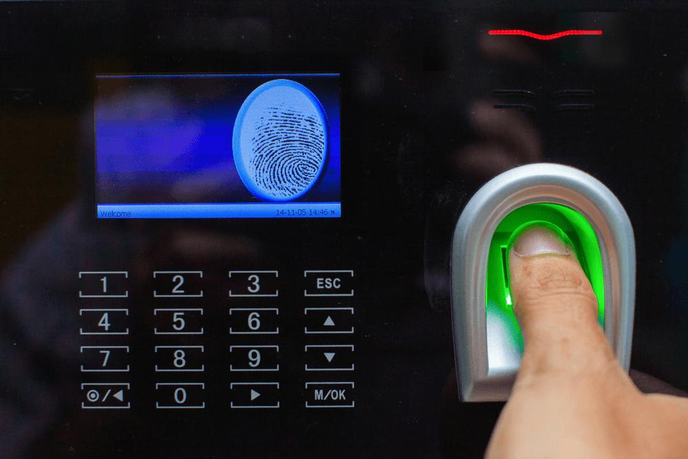 Praėjimo kontrolės sistemos, telefonspynės sprendimai.